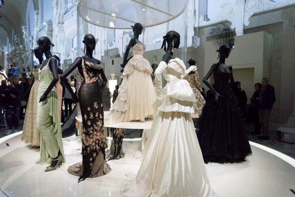 la mostra di dior a parigi l 39 alta moda al mus e des arts